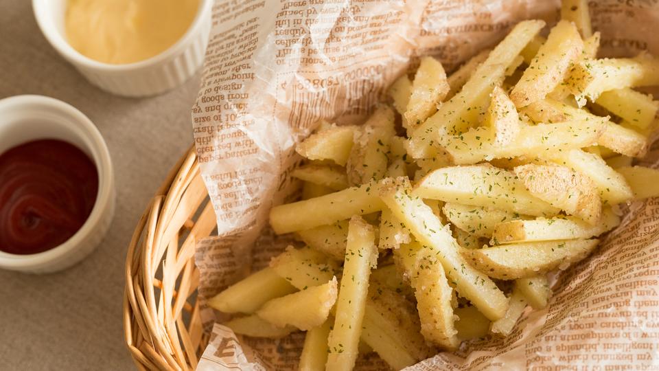 フライド ポテト 太る フライドポテトは太る?カロリー&ダイエット中の食べ方の8つの注意点...