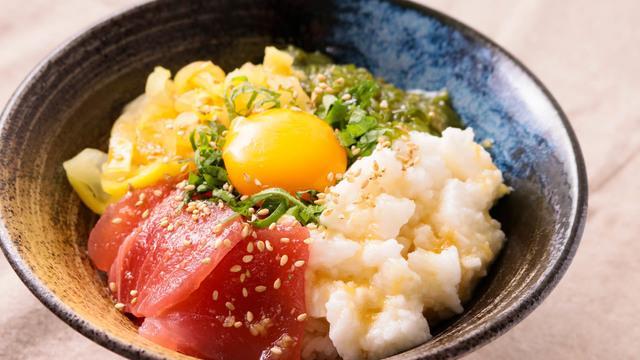 ボリューム満点!アレンジ自在な丼レシピ特集