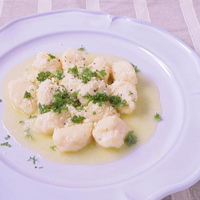 リコッタチーズのニョッキレモンバターソース
