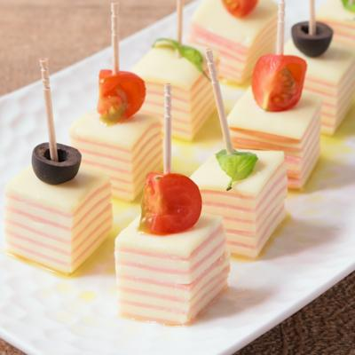 シマシマ模様がかわいい チーズとハムのピンチョス