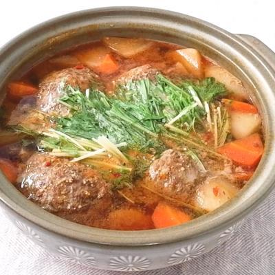 根菜たっぷり ピリ辛和風ハンバーグ鍋