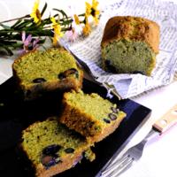 しっとり甘黒豆入り\n緑茶のパウンドケーキ