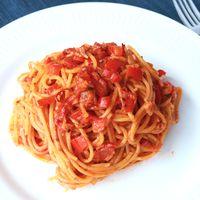 レンジでチン トマトとパプリカの赤いスパゲティ