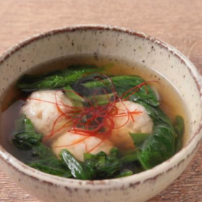 サラダ菜と鶏団子のスープ