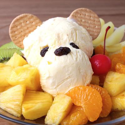 しろくまさんのフルーツたっぷりクリームあんみつ