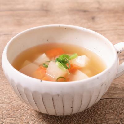 柔らか大根とにんじんのコンソメスープ