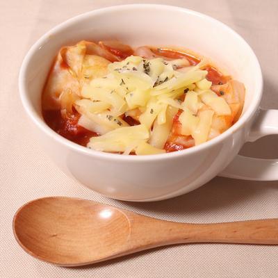 トマトベースの洋風ワンタンスープ