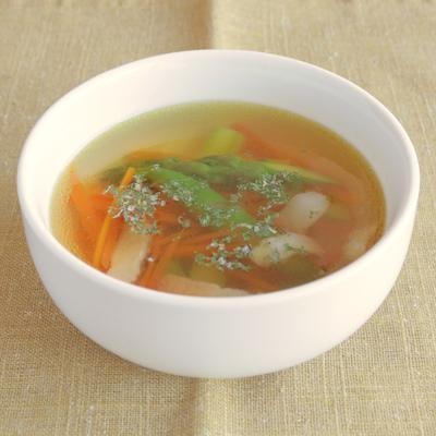アスパラガスのコンソメスープ