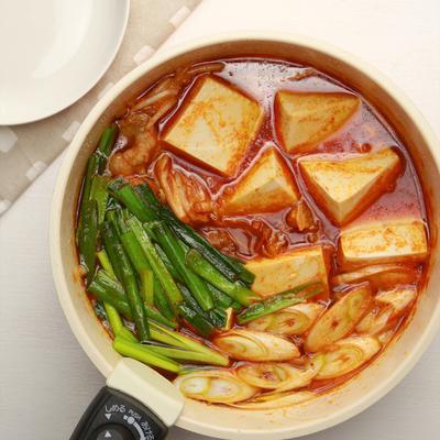 ピリ辛具沢山な豆腐チゲ