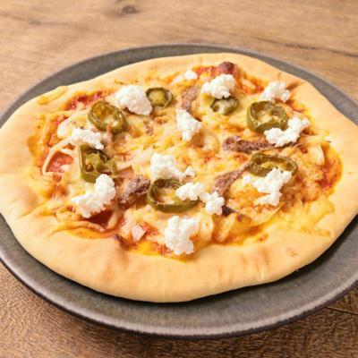 ハラペーニョと2種チーズのトマトピザ