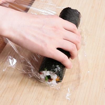 ラップで作る 巻き寿司