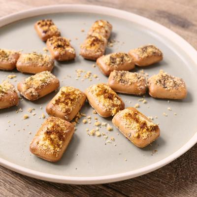 乾パンをアレンジ おつまみチーズ焼き