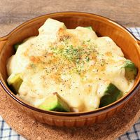 豆腐とアボカドのチーズグラタン