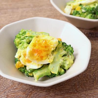 ゆで卵とブロッコリーのゴロゴロサラダ