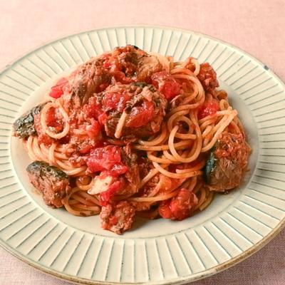 サバの水煮缶とトマト缶でつくるスパゲティ