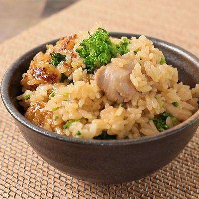 鶏もも肉と菜の花のポン酢炊き込みご飯