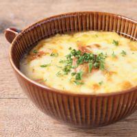 玉ねぎたっぷりトマトグラタンスープ