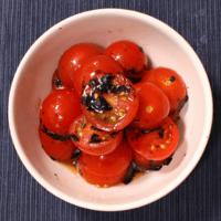 ミニトマトと韓国のりの和え物