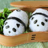 お弁当に かわいいパンダおにぎり
