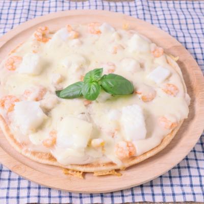 フライパンで作る ホワイトソースのシーフードピザ