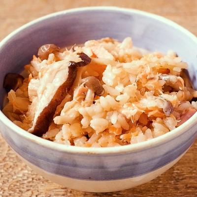 銀鮭ときのこの炊き込みご飯