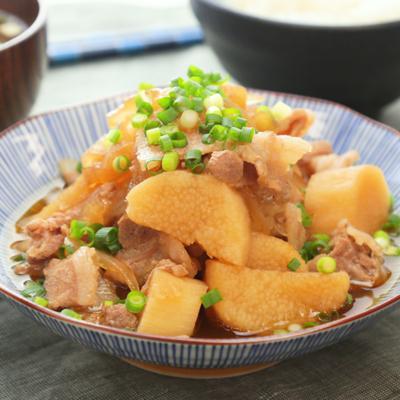 豚こま切れ肉と長芋の煮物