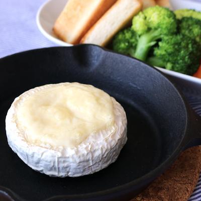 トースターで 丸ごとカマンベールフォンデュ