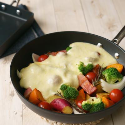 卵焼き器で作る 彩り野菜の濃厚ラクレット