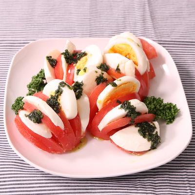 バジルオイルで!アコーディオントマトサラダ