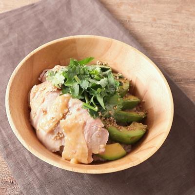 簡単 レンジでシンガポール風鶏飯ボウル