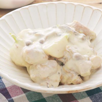 カブと鶏肉のミルク煮