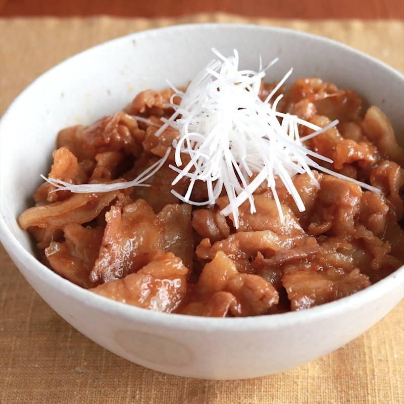 銀匙飯!香ばし特製ダレの贅沢豚丼