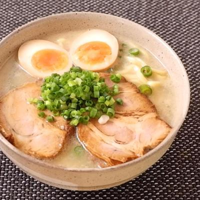 青唐辛子の旨辛鶏白湯ラーメン