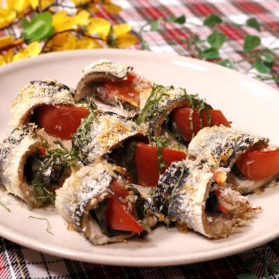 秋刀魚のトマトバジル焼き