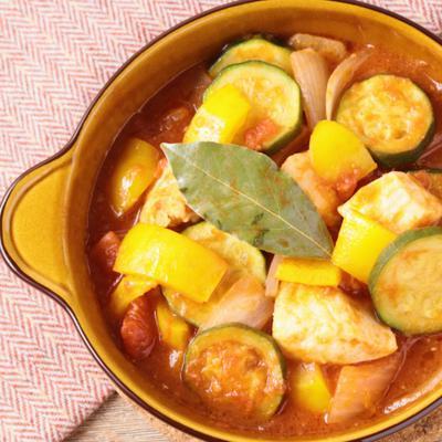 スペイン風チキンのトマト煮