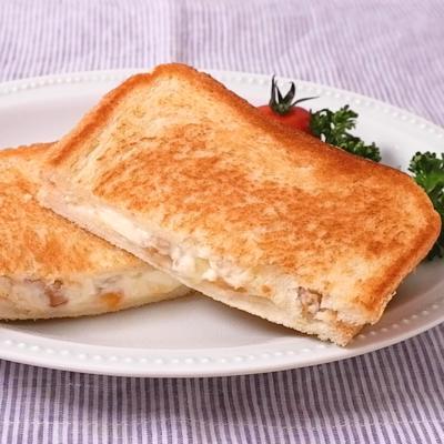 アプリコットジャムとクリームチーズのホットサンド