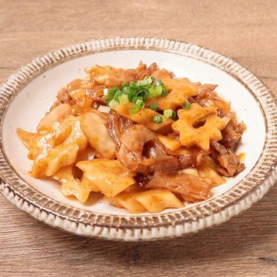 豚バラ肉とちくわぶのキムチ炒め