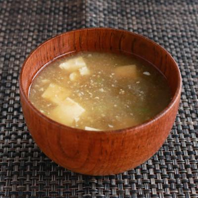 簡単美味しい とろろこんぶのお味噌汁