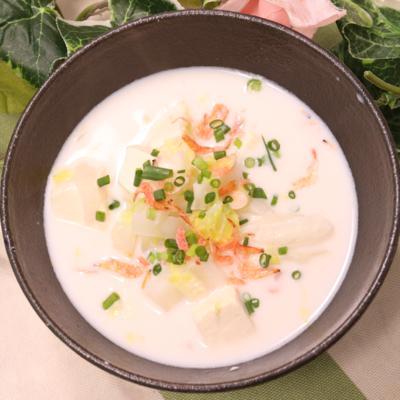 ぽっかぽか白菜と桜エビと豆腐の白湯スープ