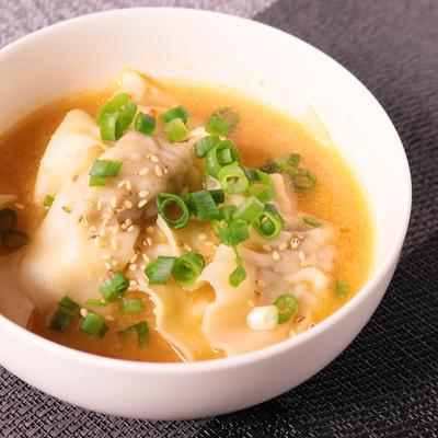 ピリ辛ワンタンスープ