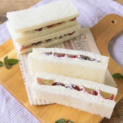 ぶどうとクリームチーズのサンドイッチ
