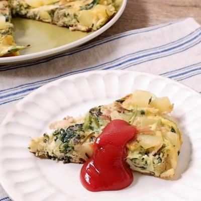 旨味たっぷり  ツナと豆苗の簡単スパニッシュオムレツ