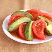 トマトとアボカドの和風ドレッシング和え