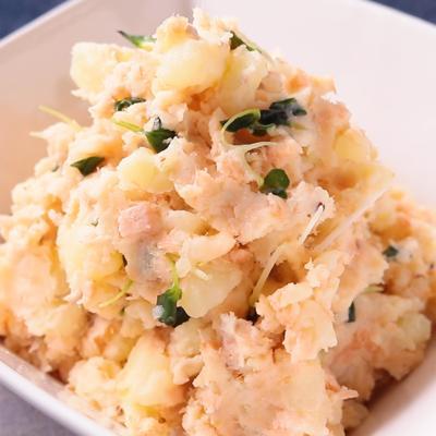 塩鮭で おつまみポテサラ
