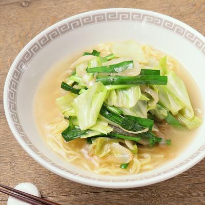 インスタントラーメンで簡単 野菜たっぷりタンメン風
