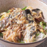 缶詰で簡単 レンジで作る梅しそイワシ丼