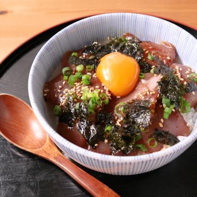 辛ウマ カツオの韓国風漬け丼