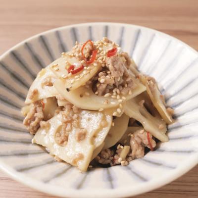 レンコンとひき肉のピリ辛バターきんぴら