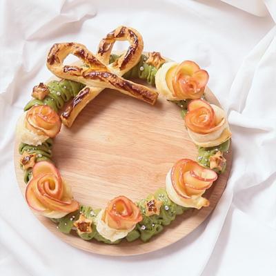 薔薇のアップルパイでリースケーキ