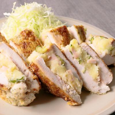 ボリューム満点 鶏むね肉のポテサラ挟みカツ